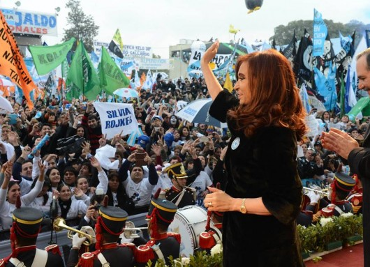 Cristina anunció la ayuda a pequeños productores tucumanos y la reapertura del ingenio La Esperanza