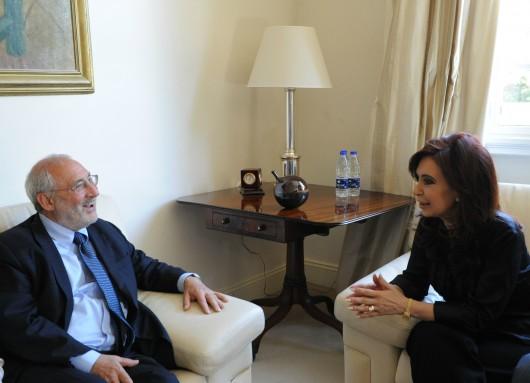 Cristina con Stiglitz