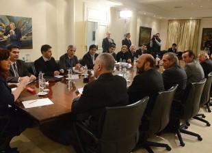 La Presidenta y gobernadores de provincias petrolíferas comenzaron a analizar el proyecto de ley de Hidrocarburos
