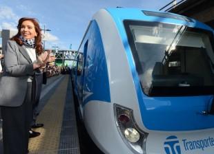 La Presidenta puso en funcionamiento nuevos vagones de la línea Sarmiento.