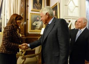 Cristina recibió a Daniel Barenboim y Felipe González