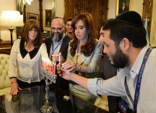 Iair, primer ahijado presidencial que profesa la fe judía