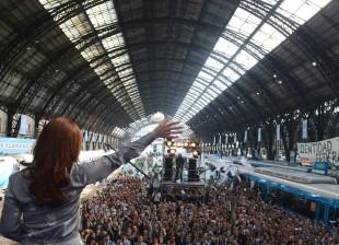 Promulgamos la Ley de creación de Ferrocarriles Argentinos.