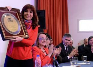 03-10-2015_ro_gallegos-santa_cruz_la_presidenta